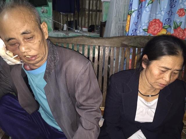 Hai bác lo lắng cho tương lai của hai cháu nội khi bố chúng đã qua đời, mẹ đi làm xa.