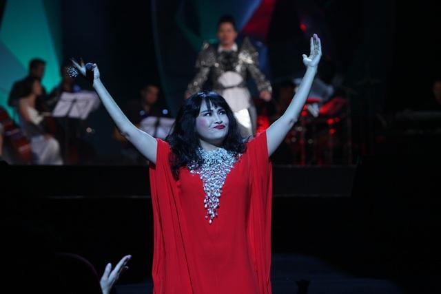 Diva Hồng Nhung nằm ngửa hát, Tùng Dương bật khóc trên sân khấu - 14