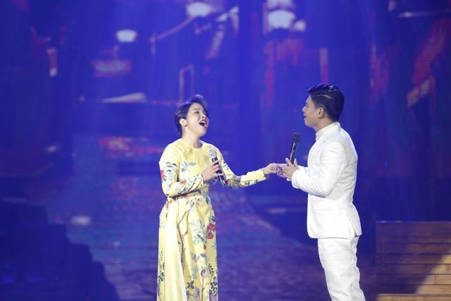 Diva Mỹ Linh bị run và căng thẳng khi song ca với NSƯT Tấn Minh - 9