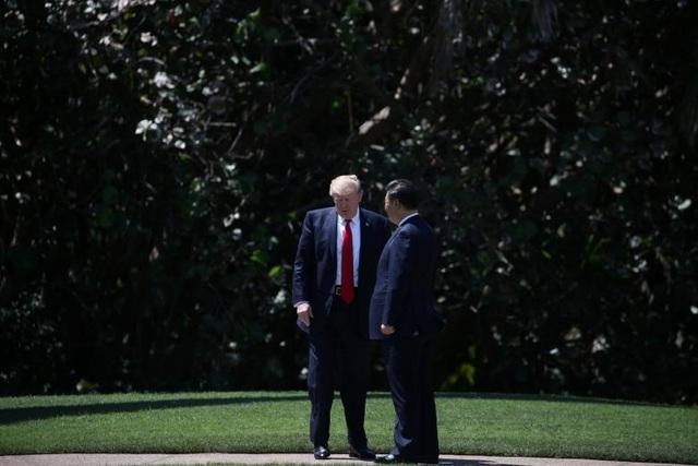 Ông Trump tiếp đón Chủ tịch Trung Quốc Tập Cận Bình tại khu nghỉ dưỡng Mar-a-Lago ngày 7/4/2017. (Ảnh: Reuters)