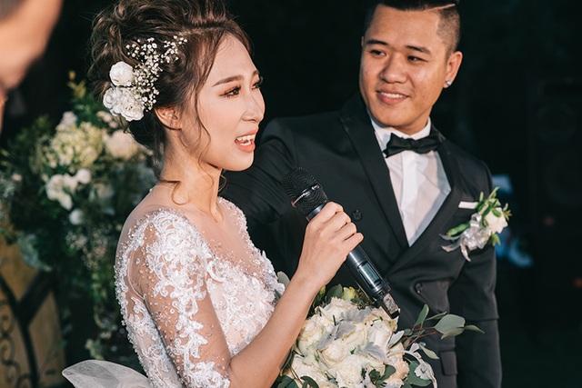 """Đám cưới """"trong mơ"""" với 300 khách cùng """"xăm"""" biểu tượng hạnh phúc - 10"""