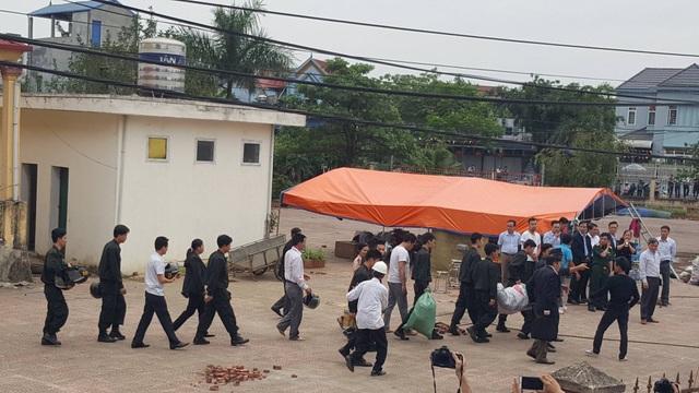 Dân Đồng Tâm chính thức thả 19 chiến sĩ - 7