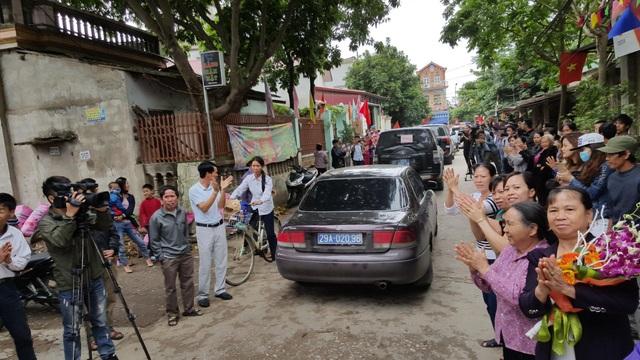 Chủ tịch Hà Nội hứa giải quyết bức xúc, dân Đồng Tâm phấn khởi thỏa lòng - 17