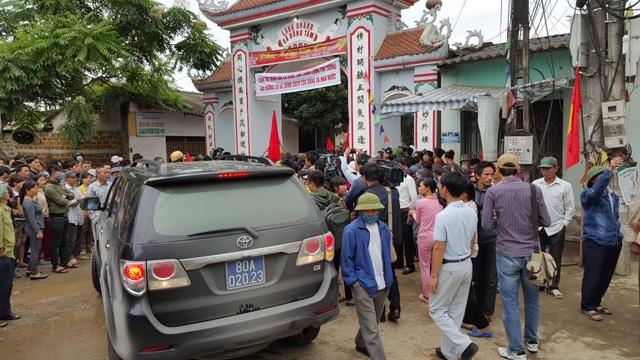 Chủ tịch Hà Nội hứa giải quyết bức xúc, dân Đồng Tâm phấn khởi thỏa lòng - 14