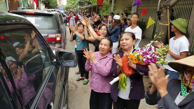 Chủ tịch Hà Nội hứa giải quyết bức xúc, dân Đồng Tâm phấn khởi thỏa lòng - 15