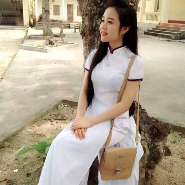 Hình ảnh cô con gái út Pay Thị Hương hồi học lớp 10.