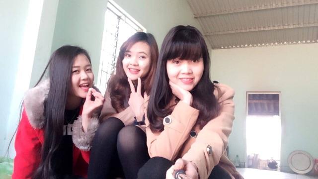 Ba chị em Huyền, Hà và Hương.