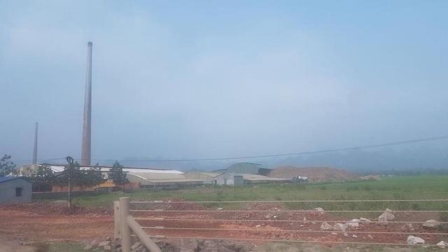 Kha nhà máy gạch nơi người dân cho rằng bị thu hồi đất giao cho doanh nghiệp.