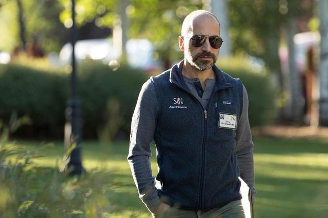 Các chuyên gia nhận định một người có lối sống sung túc và ổn định như Khosrowshahi sẽ không chuyển tới Uber trừ khi được trả lương hậu hĩnh. Trên thực tế, Uber cũng từng giúp cho nhiều nhà đầu tư thành tỷ phú, và nếu làm tốt vai trò của mình, Khosrowshahi hoàn toàn có thể góp mặt trong danh sách này.