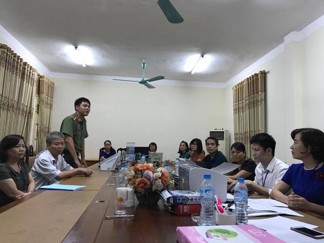 Tại phòng quét bài thi trắc nghiệm tỉnh Hưng Yên có cán bộ an ninh túc trực 24/24 giờ.