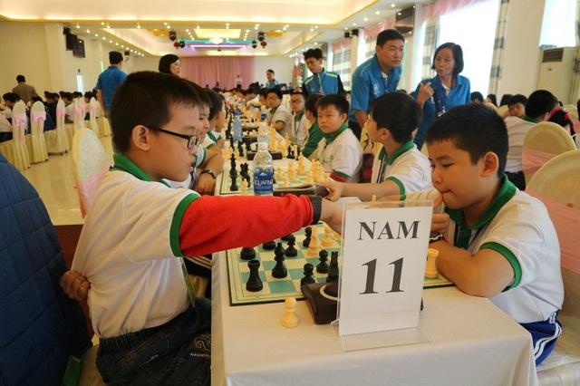 Các VĐV thi đấu ở nội dung cờ nhanh lứa tuổi U11