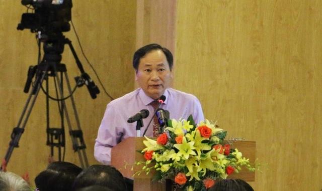 Ông Nguyễn Đắc Tài, Phó Chủ tịch UBND tỉnh Khánh Hòa trả lời chất vấn của đại biểu về thực phẩm bẩn