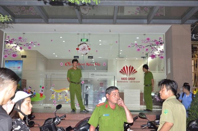 Hiện công an quận Gò Vấp đang phong tỏa hiện trường để điều tra vụ việc
