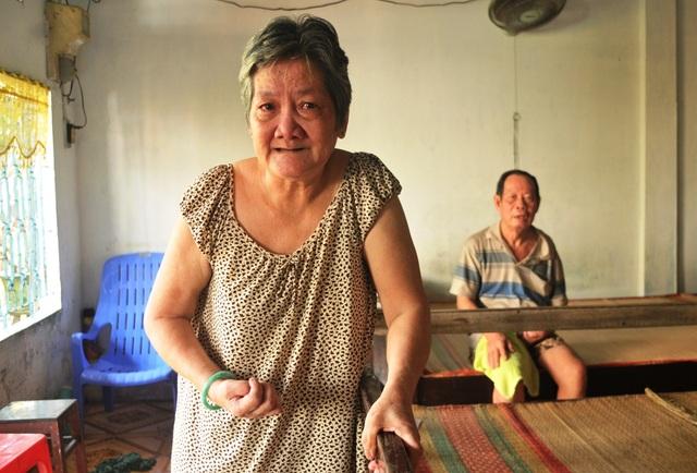 Nhà có 4 người lớn thì đã hết 3 người mắc bệnh ngặt nghèo,khiến gia đình anh Tôn Nhơn Lập rơi vào cảnh khốn cùng, không lối thoát.