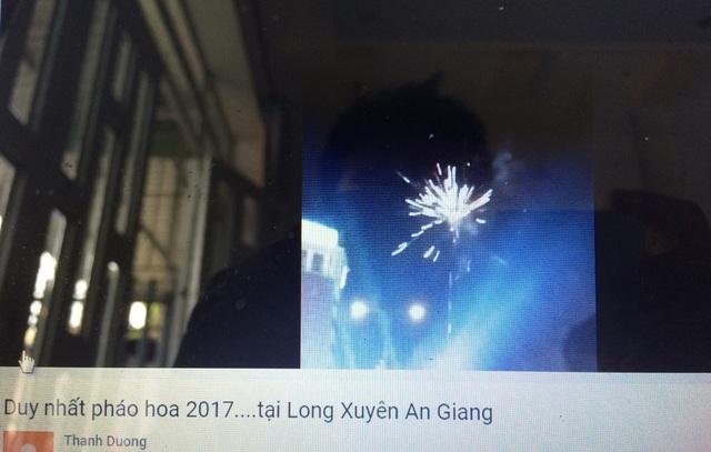 Hình ảnh được cho là màn bắn pháo hoa trong đêm giao thừa ở An Giang (cắt từ clip Yutube)