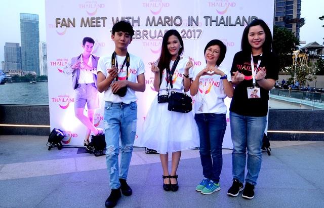 Các thành viên trong đoàn Việt Nam. Trong đó có hai fan hâm mộ, một blooger và đại diện của tổng cục du lịch Thái Lan tại TPHCM.