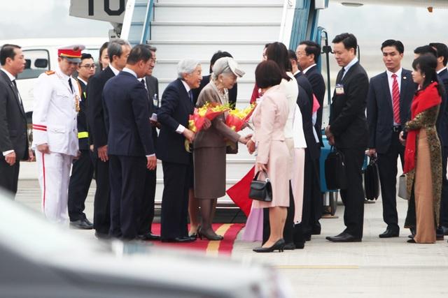 Những hình ảnh đầu tiên của Nhà vua và Hoàng hậu Nhật Bản tại Hà Nội - 4