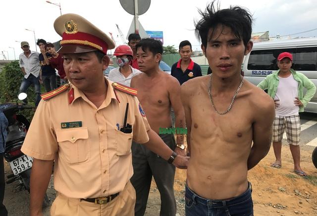 CSGT Rạch Chiếc bàn giao nghi can có giấy tờ tuỳ thân tên Huỳnh Văn Hoàng Được cho Công an quận Thủ Đức tiếp tục điều tra, mở rộng vụ án.