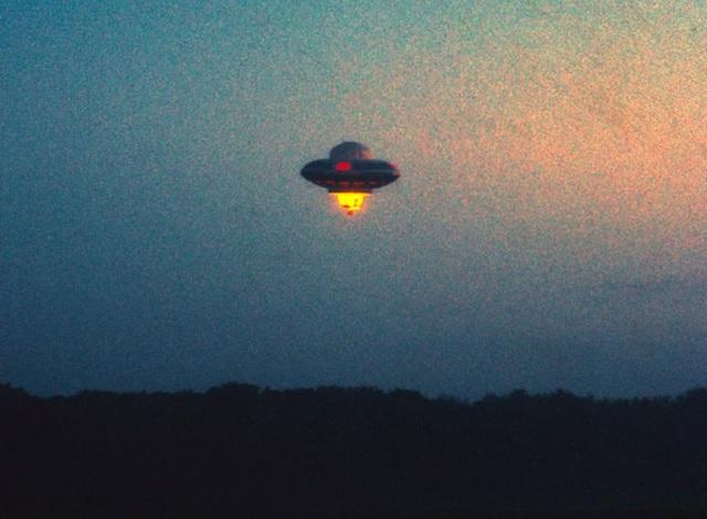 """Sinh vật ngoài hành tinh trong phim """"E.T."""" từng đáp xuống trái đất - 2"""
