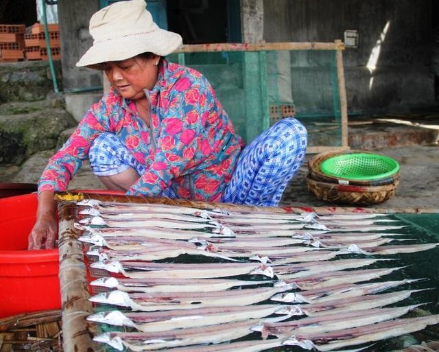 Ngư dân trúng đậm lộc biển cũng tạo điều kiện công ăn việc làm cho lao động trong bờ