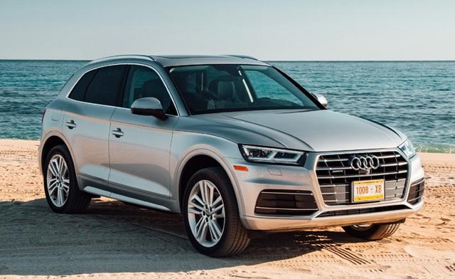 Bên cạnh yếu tố an toàn, Audi Q5 2017 còn ghi điểm ở kiểu dáng sang trọng, gọn gàng, cabin thiết kế tinh tế và động cơ mạnh mẽ.