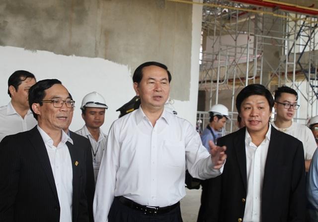 Chủ tịch nước kiểm tra thực tế tiến độ thi công các công trình phục vụ Tuần lễ cấp cao APEC 2017 tại Đà Nẵng