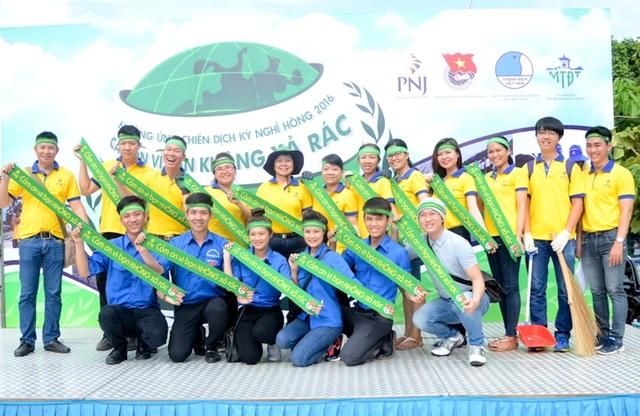 """Chương trình chung tay vì môi trường """"Cảm Ơn Vì Bạn Không Xả Rác"""" của PNJ"""