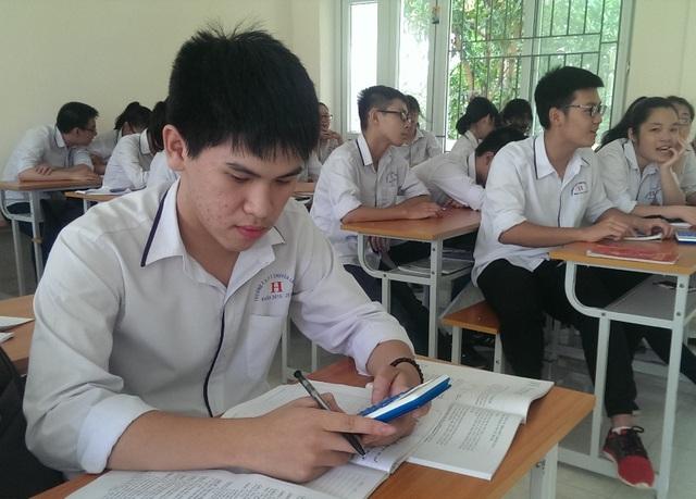 Đỗ Mạnh Việt, học sinh lớp 11 chuyên Hóa, trường THPT chuyên Lam Sơn, Thanh Hóa