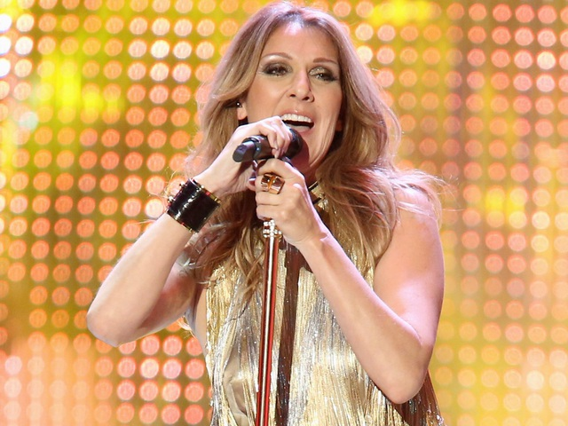 Nữ danh ca Celine Dion yêu cầu phòng thay đồ phải luôn ở mức nhiệt độ - 22,7 độ C.