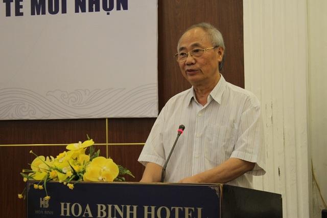 Ông Vũ Thế Bình, Phó Chủ tịch Hiệp hội du lịch Việt Nam phát biểu trong tọa đàm.