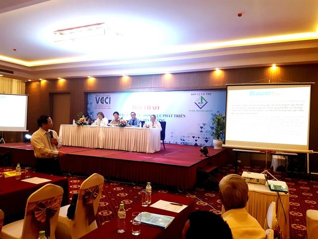 Đại diện VCCI Đà Nẵng phát biểu