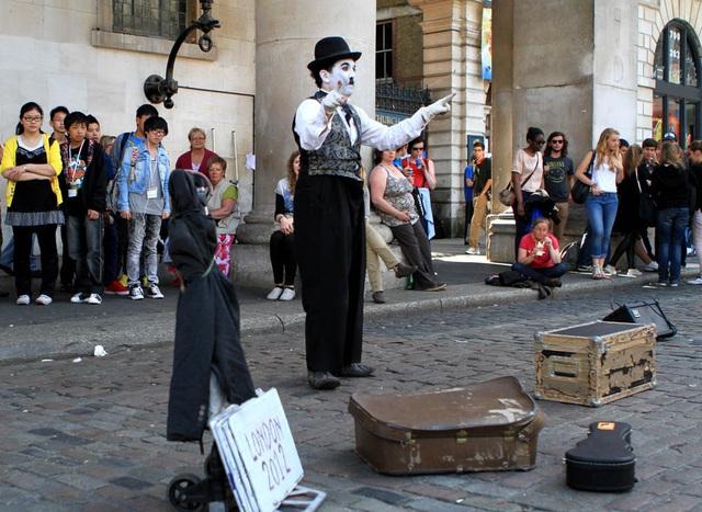 Làm thế nào để biểu diễn nghệ thuật đường phố một cách văn minh? - 2