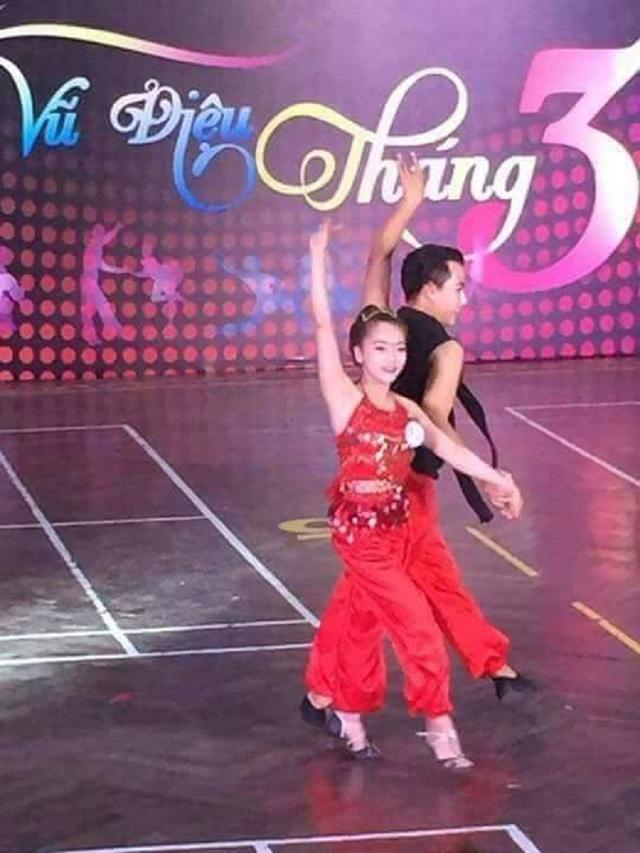 Ni Ni là giáo viên dạy kèm dancesport