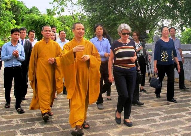 Tổng Giám đốc UNESCO thăm chùa Bái Đính - Ngôi chùa lớn nhất Việt Nam nằm trong Quần thể danh thắng Tràng An.