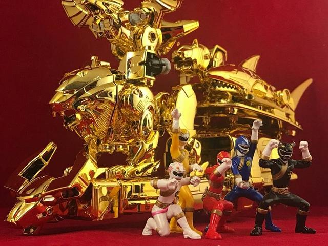 Bộ sưu tập siêu nhân mạ vàng hàng trăm triệu đồng của nam sinh 9x - 5