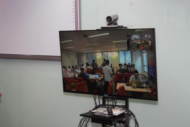 Camera sẽ phát truyền hình trực tiếp giữa 2 đầu cầu Nam - Bắc trong suốt thời gian thực hiện phần thi.