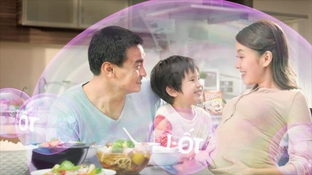 """Hạt nêm """"3 Miền"""" bổ sung i-ốt không chỉ giúp món ăn đậm đà thơm ngon, mà còn giúp phòng tránh bệnh bướu cổ, bảo vệ sức khỏe cả gia đình, được các bác sĩ Trung tâm dinh dưỡng TP.HCM khuyên dùng"""