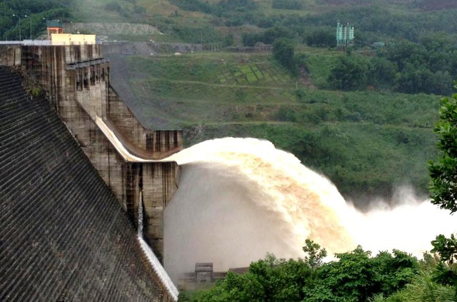 Thủy điện Sông Tranh 2 xả lũ từ 2.000-3.500m3/s từ 18h ngày 4/11