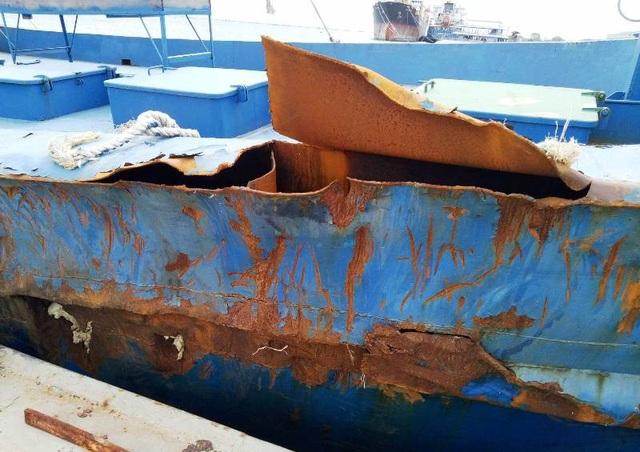 Ông Thãi cho rằng, do nhà máy không đưa tàu lên đà nên bị bão số 12 tấn công làm hư hỏng nặng