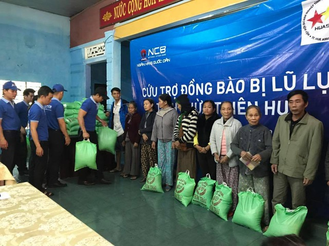NCB hỗ trợ người dân bị thiệt hại sau mưa lũ tại tỉnh Thừa Thiên Huế - 2