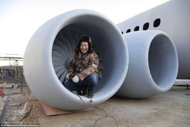 Đến thời điểm hiện tại, anh Zhu đã sử dụng 40 tấn thép cho công việc chế tạo. Máy bay dự kiến sẽ hoàn thành vào tháng 5 năm tới, sau gần 2 năm thi công.