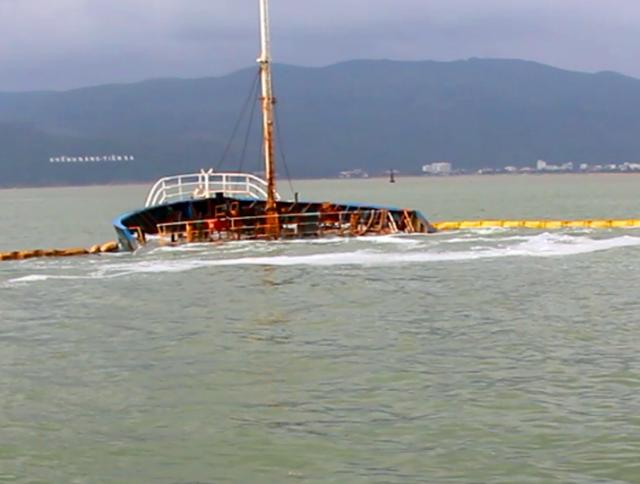 Vụ chìm hàng ở vịnh Quy Nhơn được xem là chìm tàu lớn nhất ngành hàng hải Việt Nam