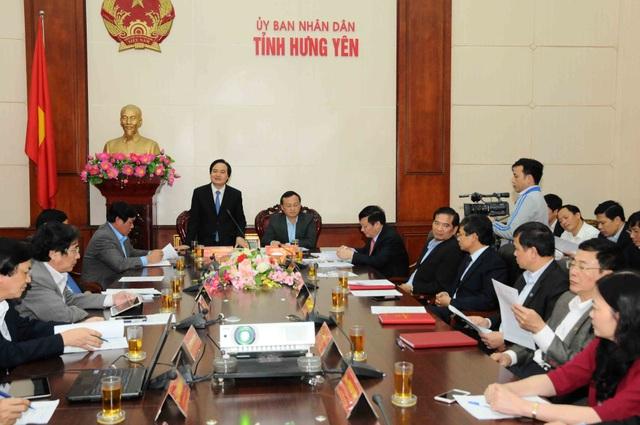 Bộ trưởng Phùng Xuân Nhạ phát biểu tại cuộc làm việc với lãnh đạo tỉnh Hưng Yên về định hướng phát triển giáo dục và đào tạo địa phương