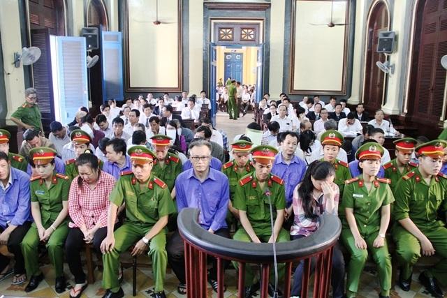 Các bị cáo liên quan tới vụ án xảy ra tại Hải quan cửa khẩu Bình Khánh được Bộ Công an tách ra xử lý riêng.