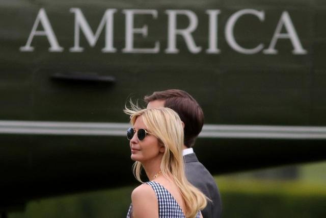 Cố vấn cao cấp Nhà Trắng của ông Trump Ivanka Trump cùng chồng là cố vấn cao cấp Jared Kushner. Họ là con gái và con rể của ông Trump.