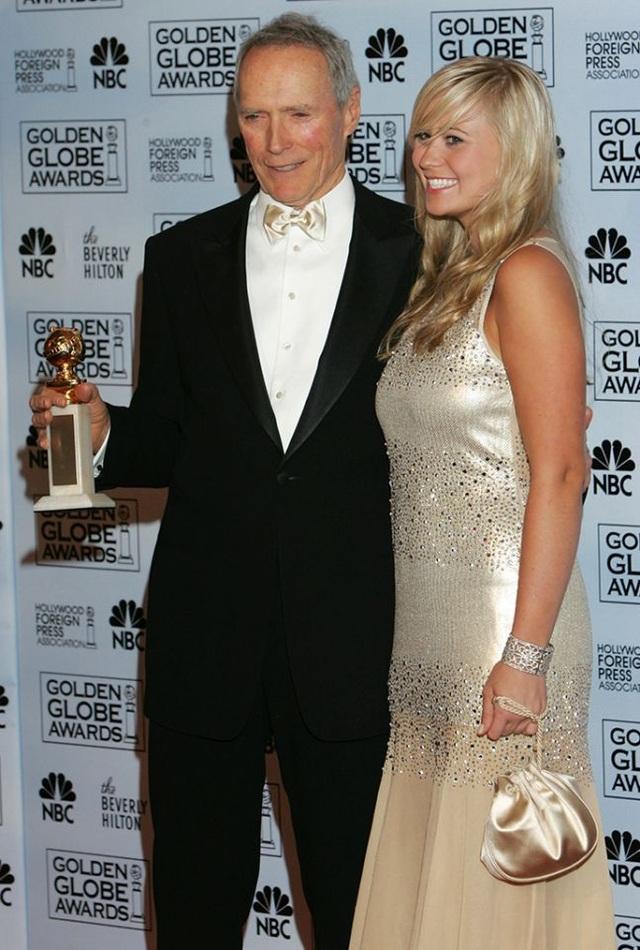 """Kathryn Eastwood (2005): Nam diễn viên Clint Eastwood giành giải Đạo diễn xuất sắc với phim """"Million Dollar Baby"""" (Cô gái triệu đô) năm 2005, cùng năm đó, con gái Kathryn của ông được nhận giải Quý cô Quả Cầu Vàng. Về sau, một người con gái khác của ông là Francesca cũng được nhận giải này hồi năm 2013."""
