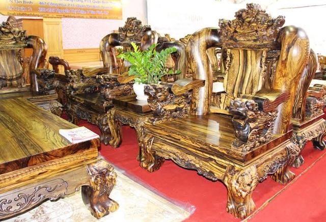 Bộ bàn ghế siêu đắt đỏ