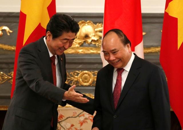 Hai thủ tướng sau đó đã tiến hành hội đàm (Ảnh: Reuters)