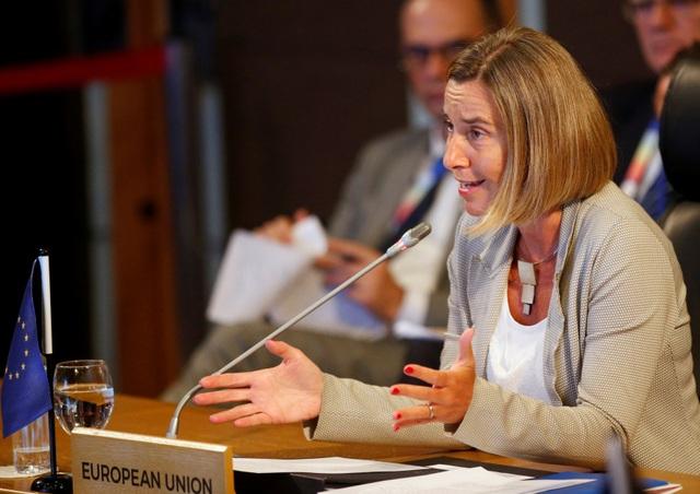 Cao ủy phụ trách chính sách đối ngoại của Liên minh châu Âu Federica Mogherini tham dự một hội nghị trong khuôn khổ AMM 50. (Ảnh: Reuters)