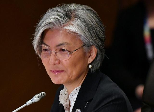 Bà Kang Kyung-wha được Tổng thống Hàn Quốc Moon Jae-in bổ nhiệm làm Ngoại trưởng hồi giữa tháng 6. Bà là người phụ nữ đầu tiên trong lịch sử Hàn Quốc nắm giữ vị trí này và cũng là ngoại trưởng đầu tiên trong 14 năm qua không xuất thân từ giới ngoại giao. (Ảnh: Reuters)